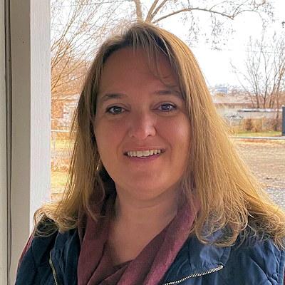 Lori DeCrow